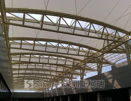 香港大学综合楼顶棚膜结构